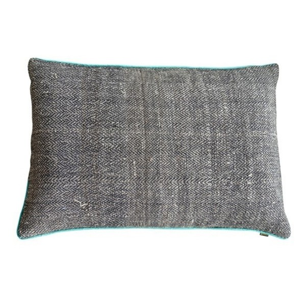 SAUVAGE cushion in silk and nettle fabric