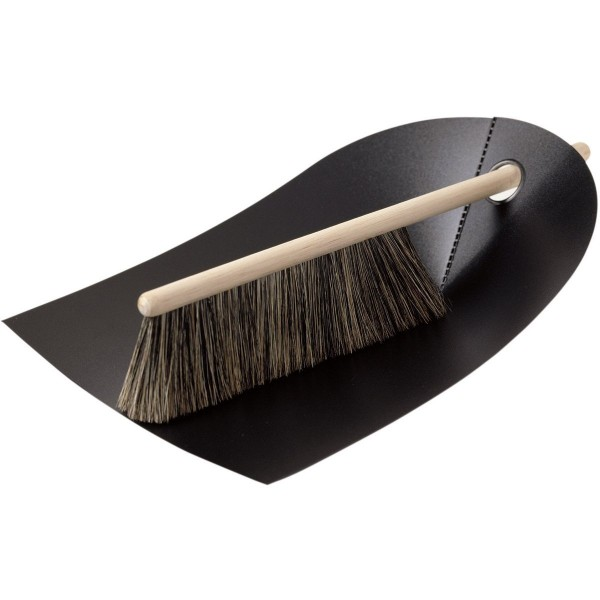 Dustpan and brush by Normann Copenhagen